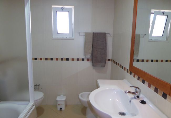 Villa in Guia - V4 Linda