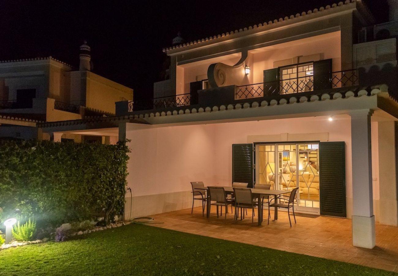 Villa in Quarteira - Alto Golf CIP