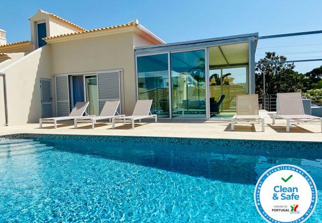 Villa/Dettached house in Quarteira - Otto CIP